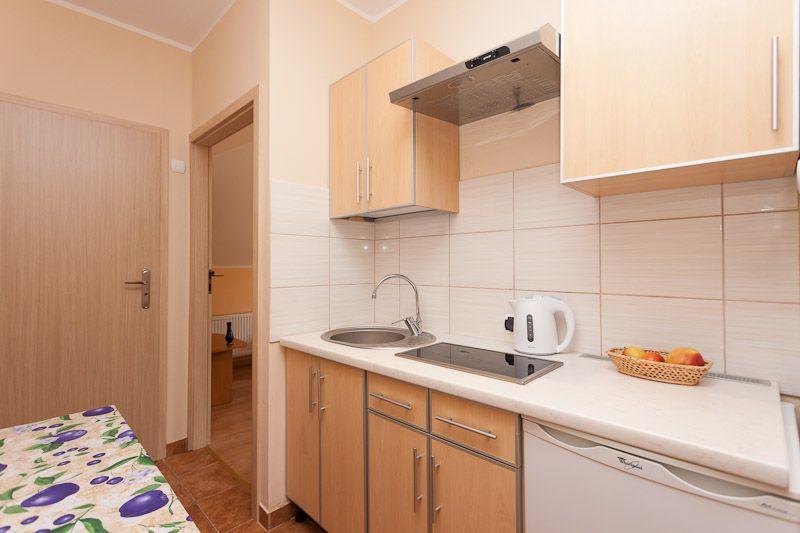 Für familien mit kindern weil zwei doppelzimmer mit gemeinsamer terrasse direkt aneinander liegen und einen gemeinsamen schließbaren eingang haben
